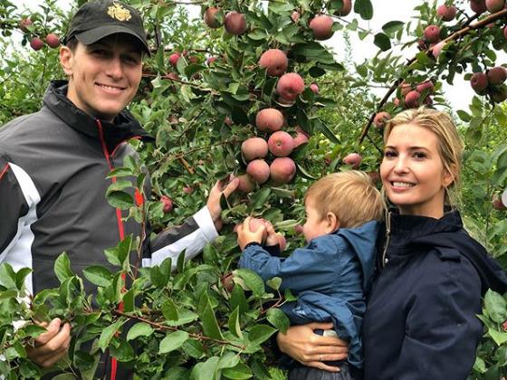 Ivanka Trumpová  manželem a se synem.