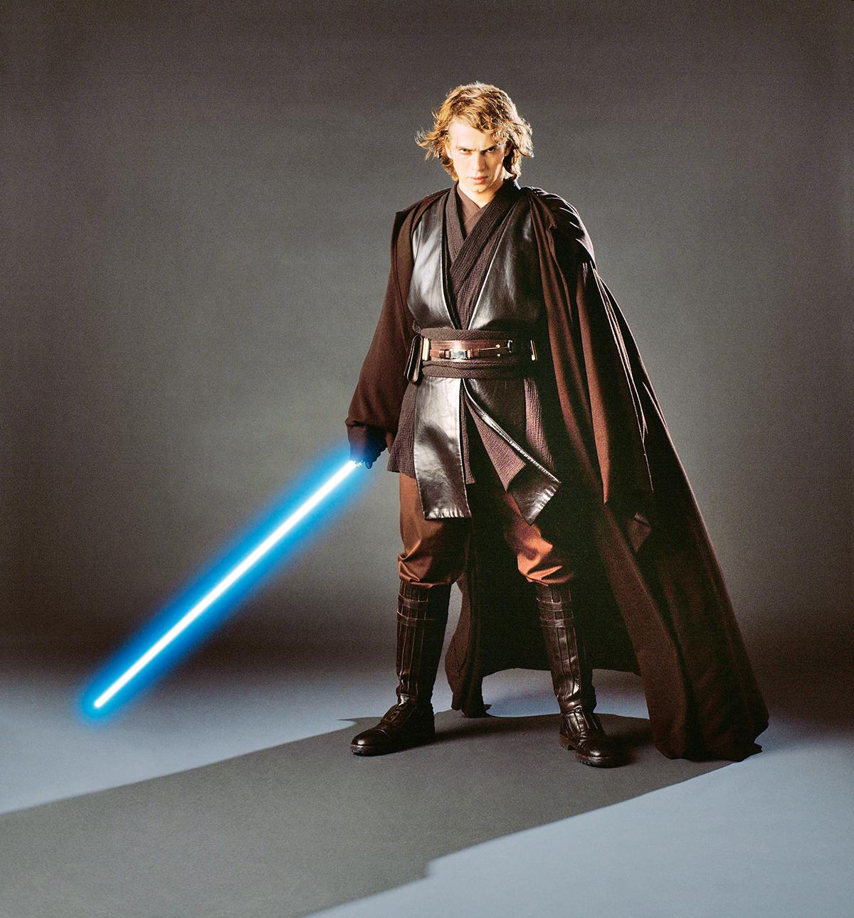 Anakin Skywalker, alias mladý Darth Vader. Ikdyž byl jeho představitel Hayden Christensen toporný, ohánět světelným mečem se uměl jako málokdo.