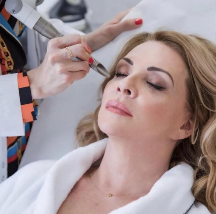 Zdenka Studenková se nechává pravidelně omlazovat na klinice estetické medicíny.