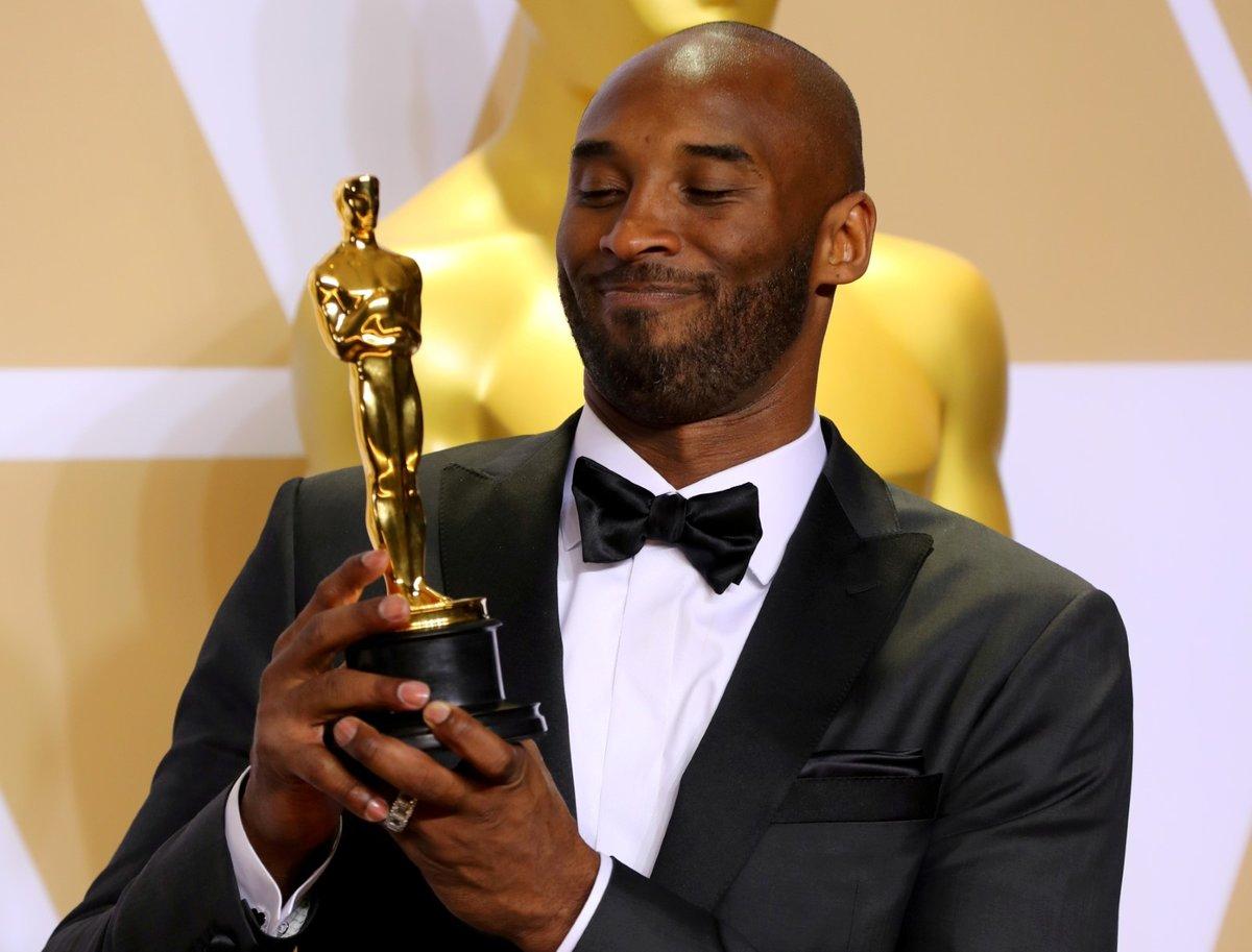 Kobe Bryant s Oscarem za krátký film Dear Basketball