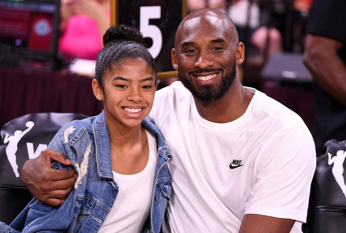 Kobe Bryant s jednou ze svých čtyř dcer