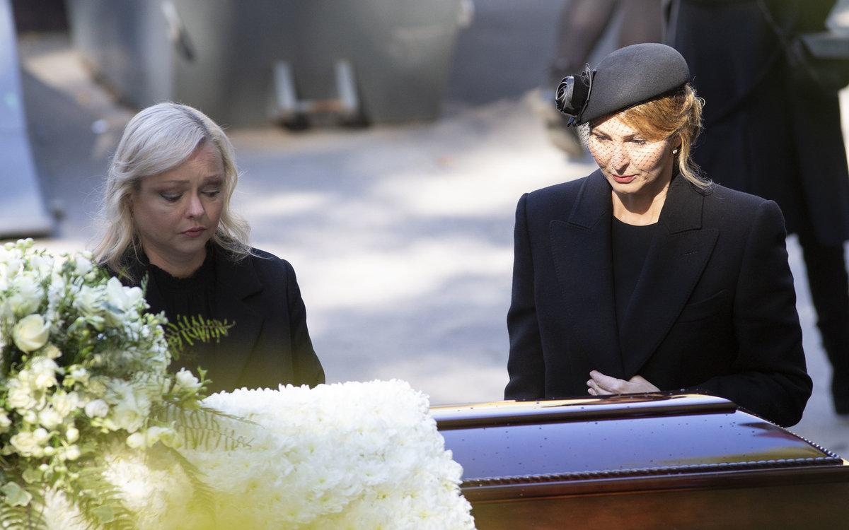 Dominika a Ivana Gottovy na pohřbu Karla Gotta