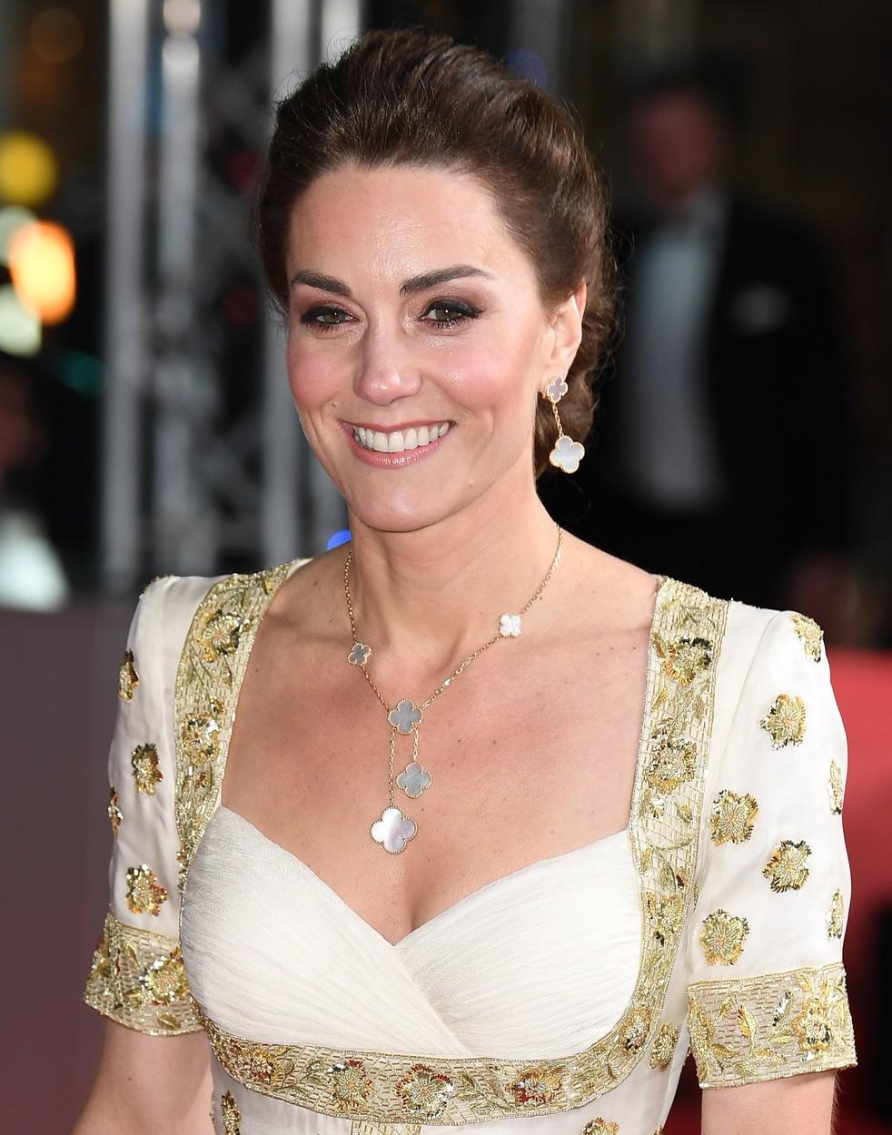 Vévodkyně Kate na 73. ročníku filmových cen BAFTA v Londýně.