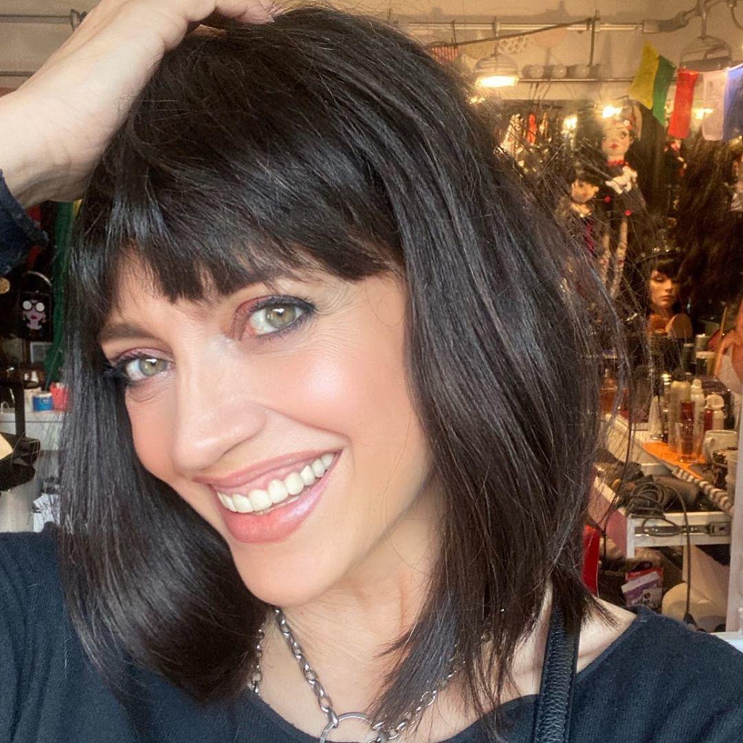 Jak by se vám Lucie líbila s kratšími vlasy a ofinou?