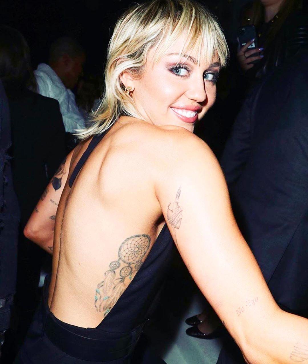Provokatérka Miley Cyrusová