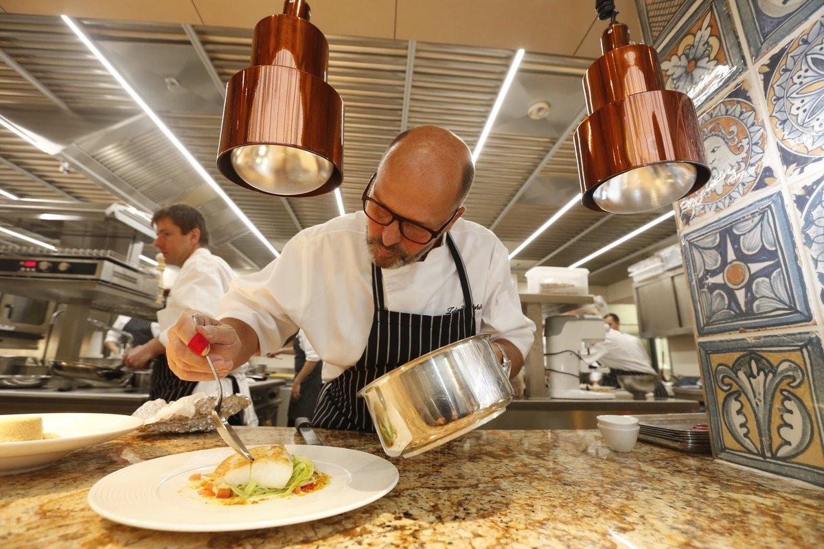 K plotně se už Zdeněk Pohlreich dostane v práci málokdy, zato doma vaří převážně on.