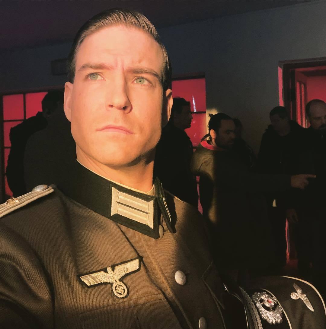 Vladimír Polívka v uniformě Wehrmachtu, kterou chtěl odkoupit.