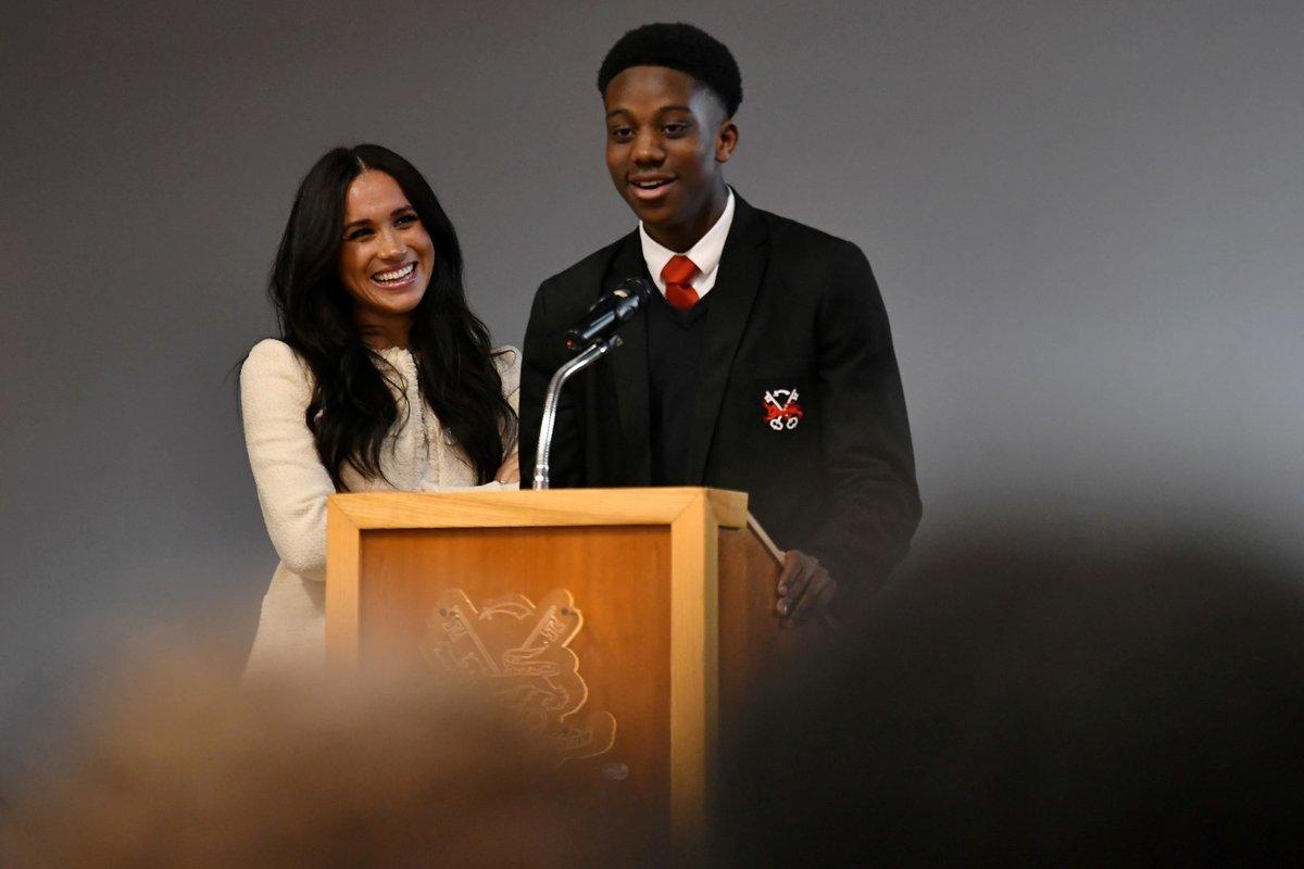 Meghan Markle měla na londýnské škole proslov k Mezinárodnímu dni žen