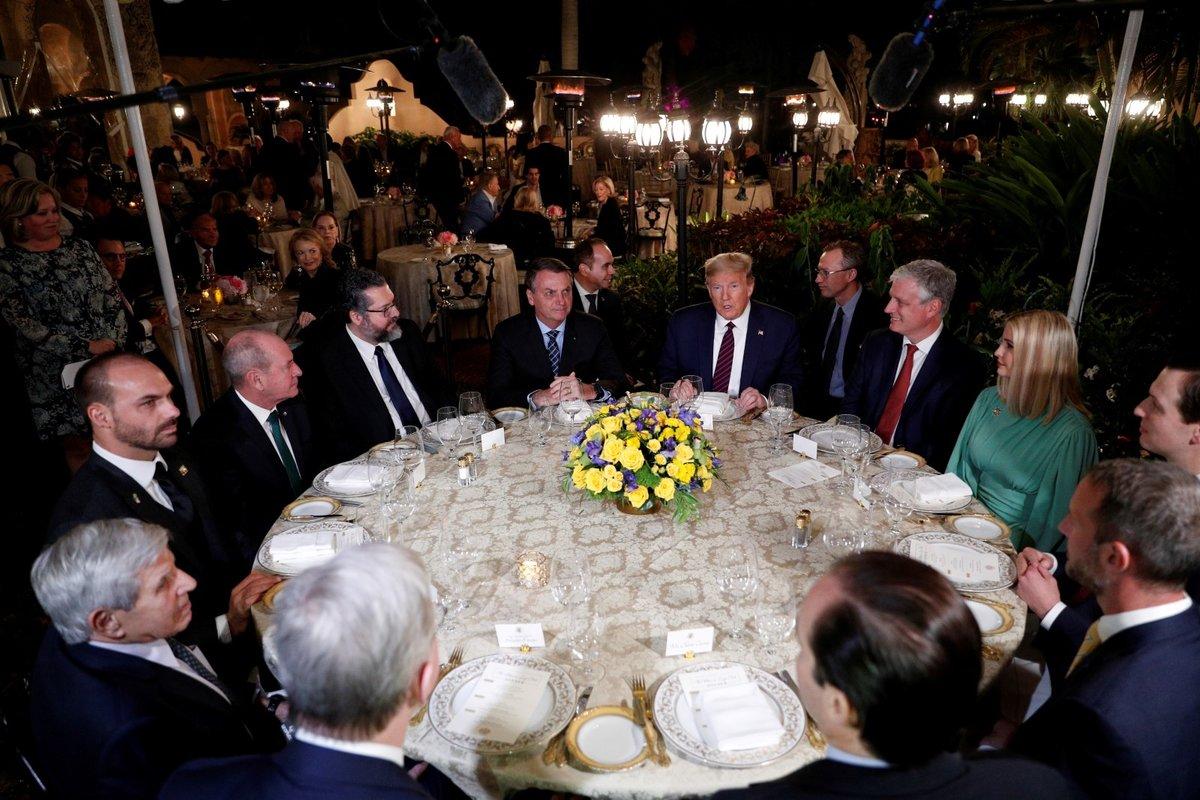 Setkání americké a brazilské delegace v Trumpově sídle v Palm Beach (7. 3. 2020)