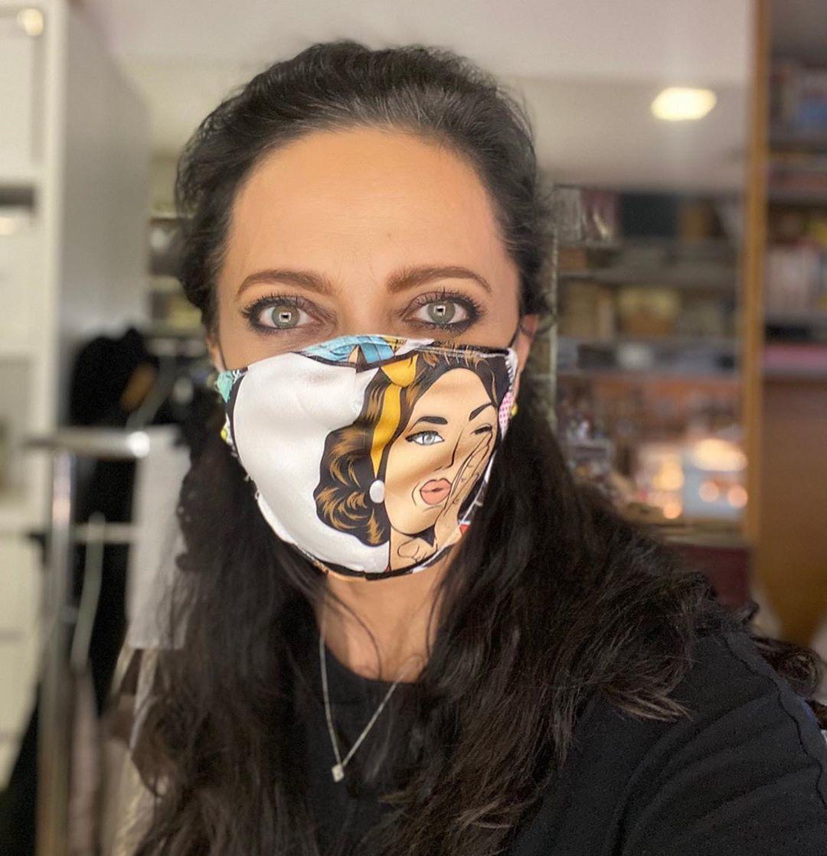 Lucie Bílá s vlastnoručně vyrobenou rouškou
