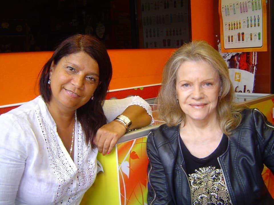 Exdružka Dana Nekonečného Zuzana Kardová byla rodinnou přítelkyní Evy Pilarové a jejího manžela