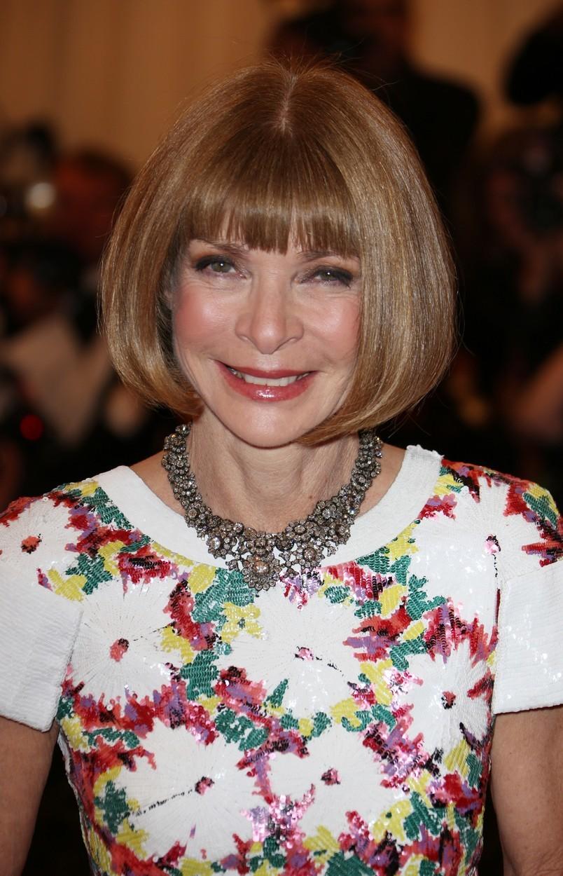 Anna vede od roku 1988 americkou odnož módního magazínu Vogue.