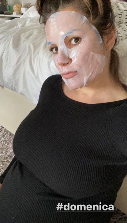 Alena Šeredová s pleťovou maskou
