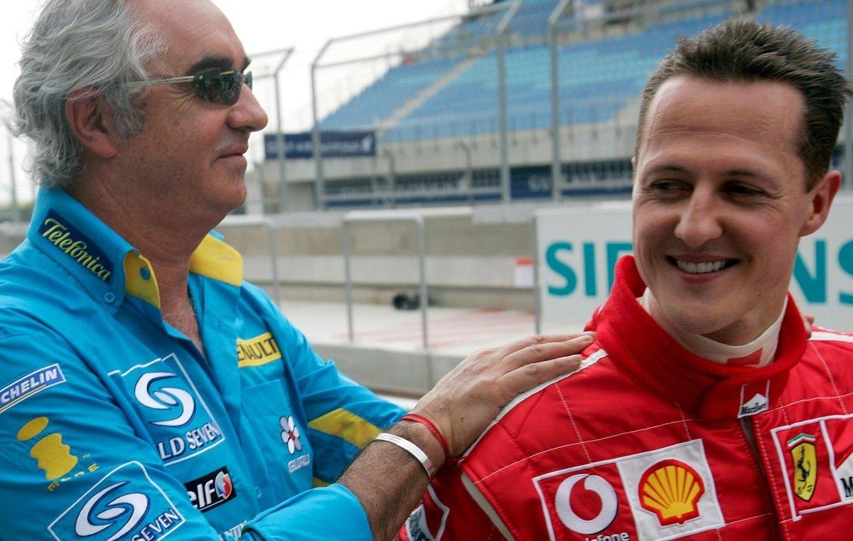 Legenda formule 1 Michael Schumacher už jako jezdec Ferrari a šéf Renaultu Flavio Briatore