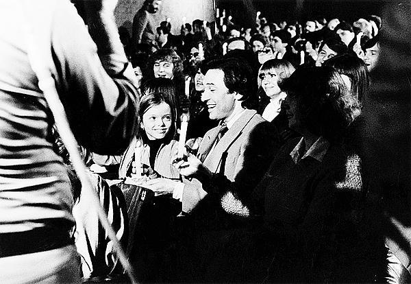 1982 Gott dceru veřejně představil na natáčení show zadáno pro Karla.