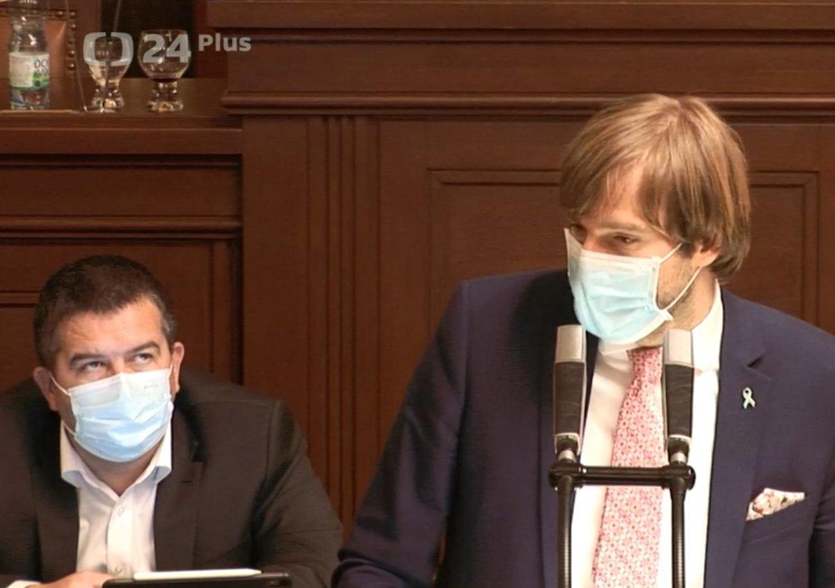Sněmovna o koronaviru: Adam Vojtěch (za ANO) se bránil kvůli nákupu ochranných prostředků ministerstvem zdravotnictví (28.4.2020)