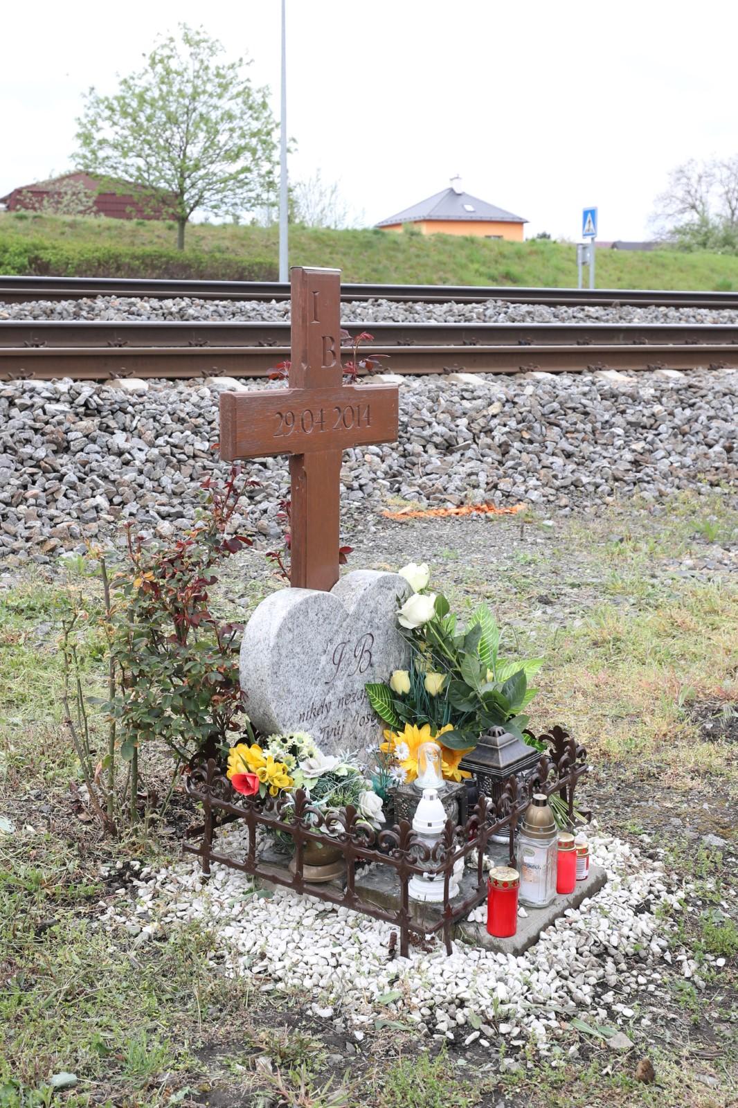 Pomníček Ivety Bartošové na šesté výročí její smrti