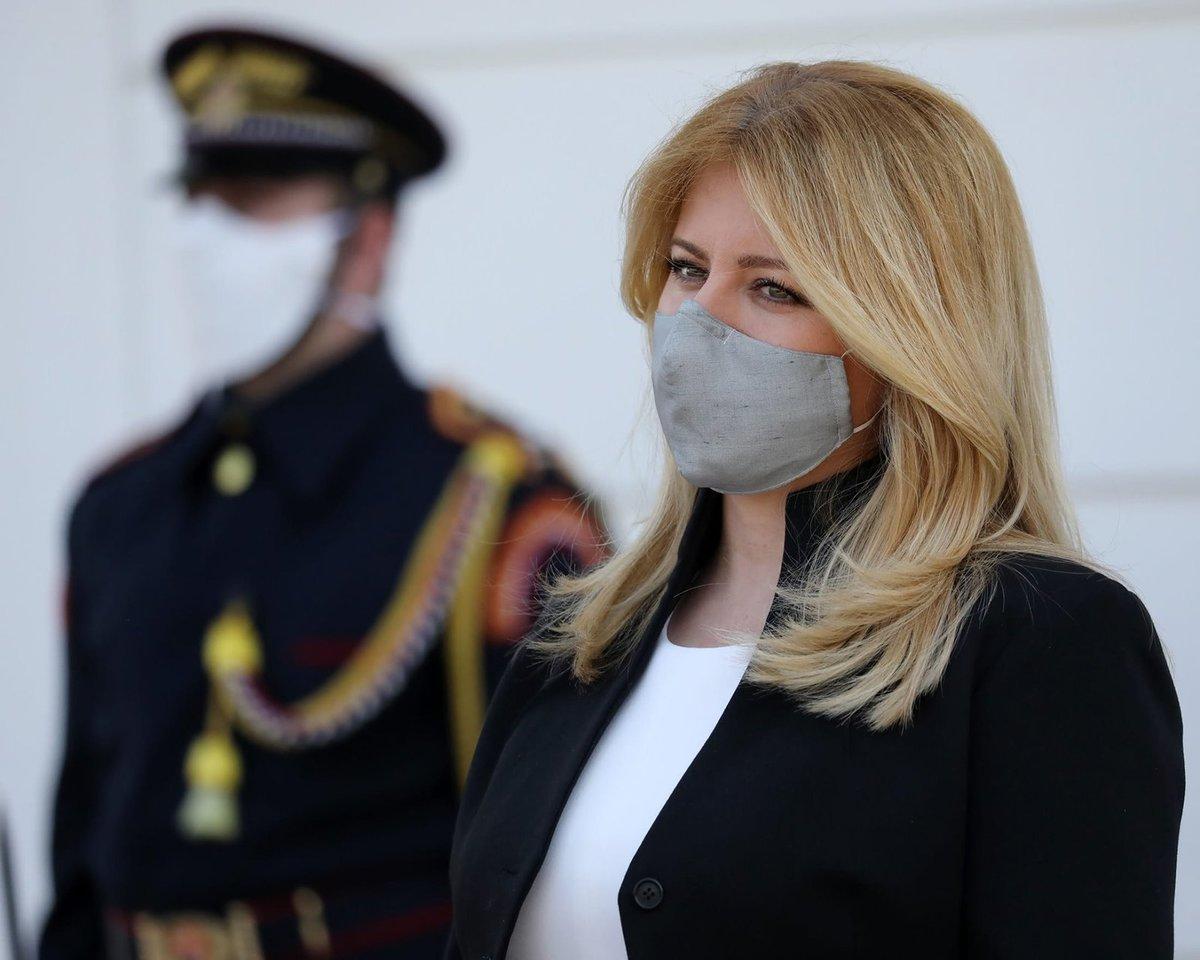 Slovenská prezidentka Zuzana Čaputová během pandemie nezahálí: Kromě politiků přijala lékaře, pracovníky sociálních služeb a vyrazila i mezi lidi