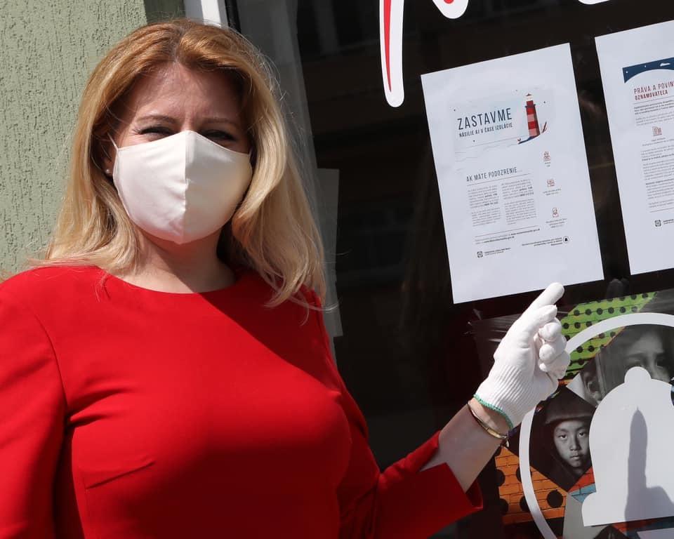 SLovenská prezidentka Zuzana Čaputová v časech izolace kvůli pandemii řeší problém domácího násilí