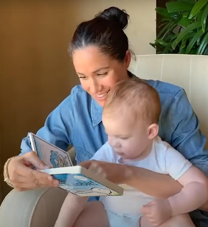 Meghan Markleová ukázala Archieho a společně přečetli knížku pro děti