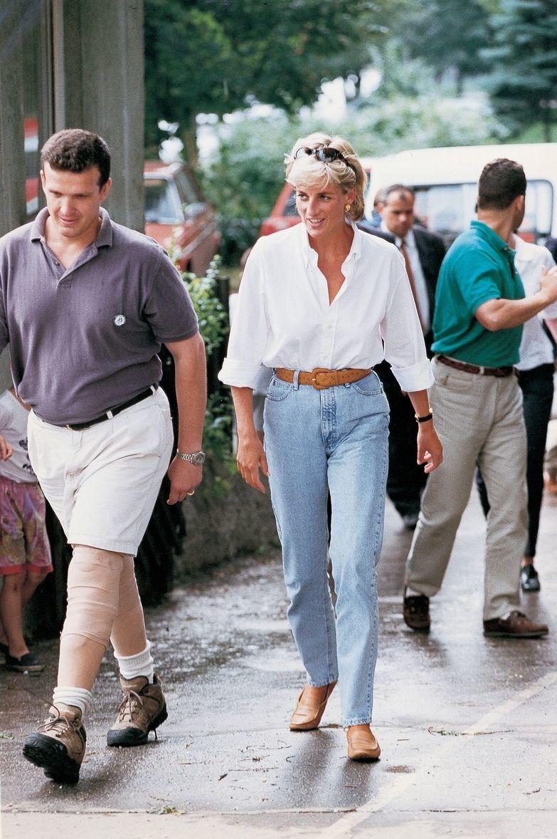 Princezna Diana v oblíbených mom jeans.