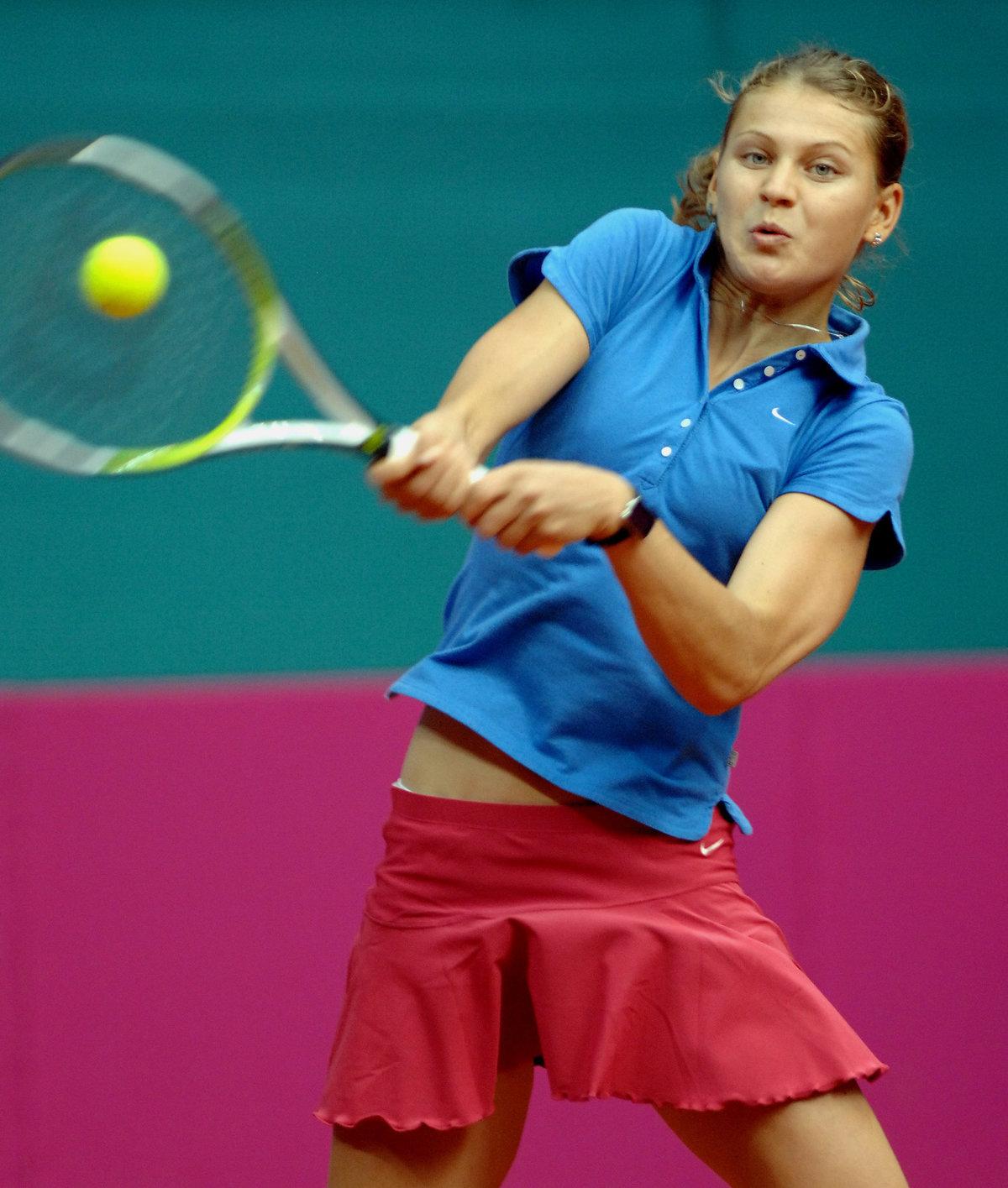 2007. Lucie při fedcupovém utkání se Slovenskem.
