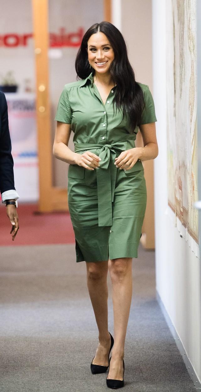 Krásná Meghan v zelených šatech.