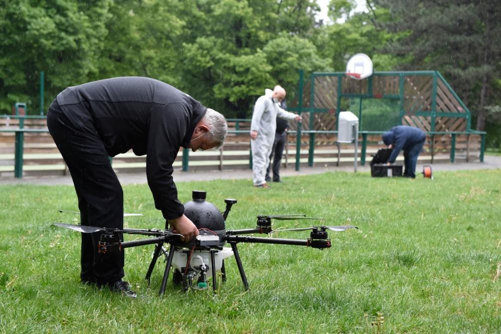 Dezinfekce proti koronaviru pomocí dronů v Brně