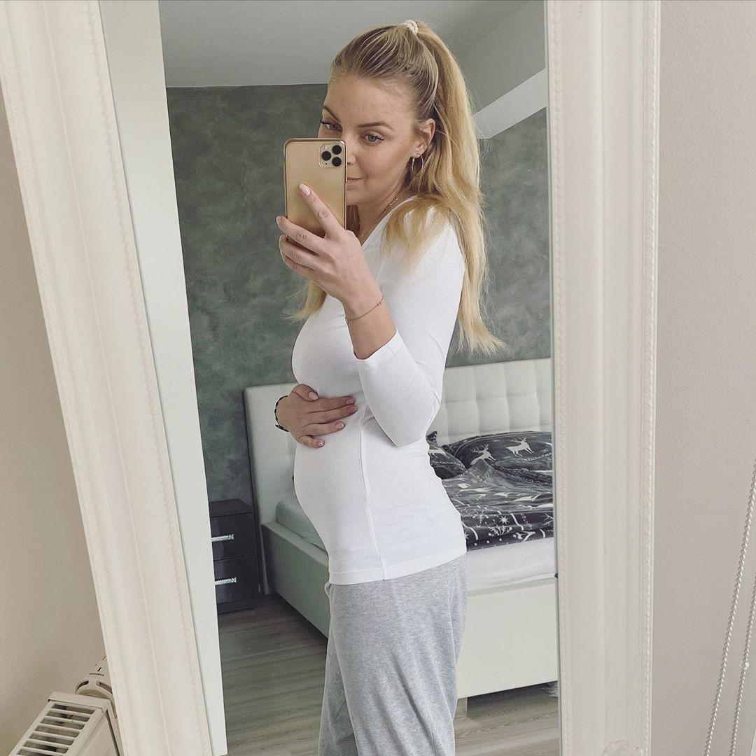 Těhotná Markéta Konvičková ukázala bříško