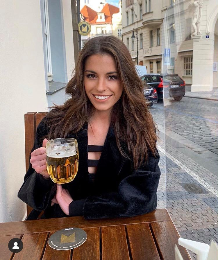 Tereza Budková stále tvrdí, že je s Pavelcem