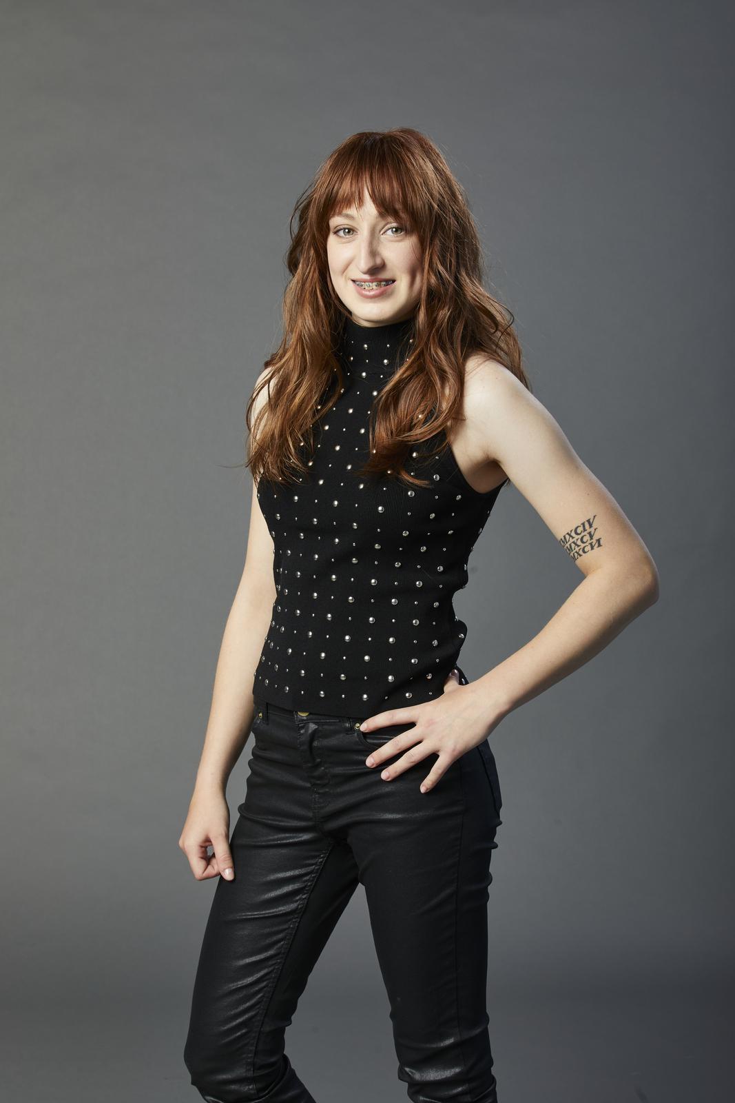 Barbora Piešová se proměnila v sexy brunetku.