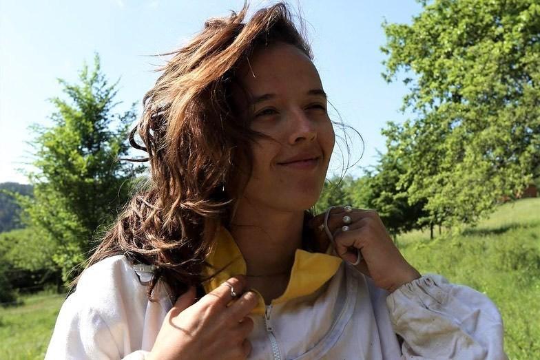 Tamaru Klusovou okouzlilo včelařství