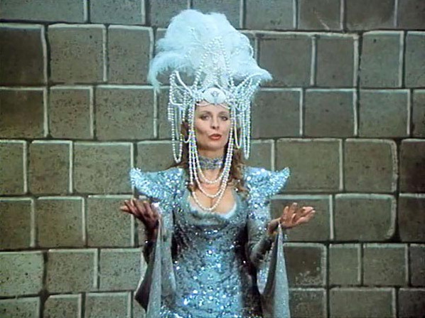 Evelyna Steimarová ve filmu Tajemství hradu v Karpatech (1981)
