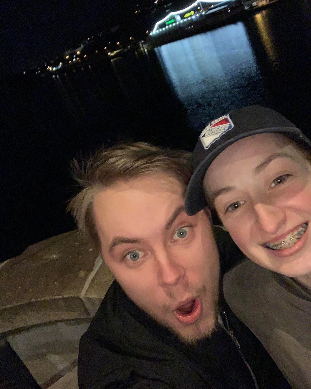 Vzešel ze SuperStar nový páreček? Michal Šafrata a Barbora Piešová se tváří jako přátelé.