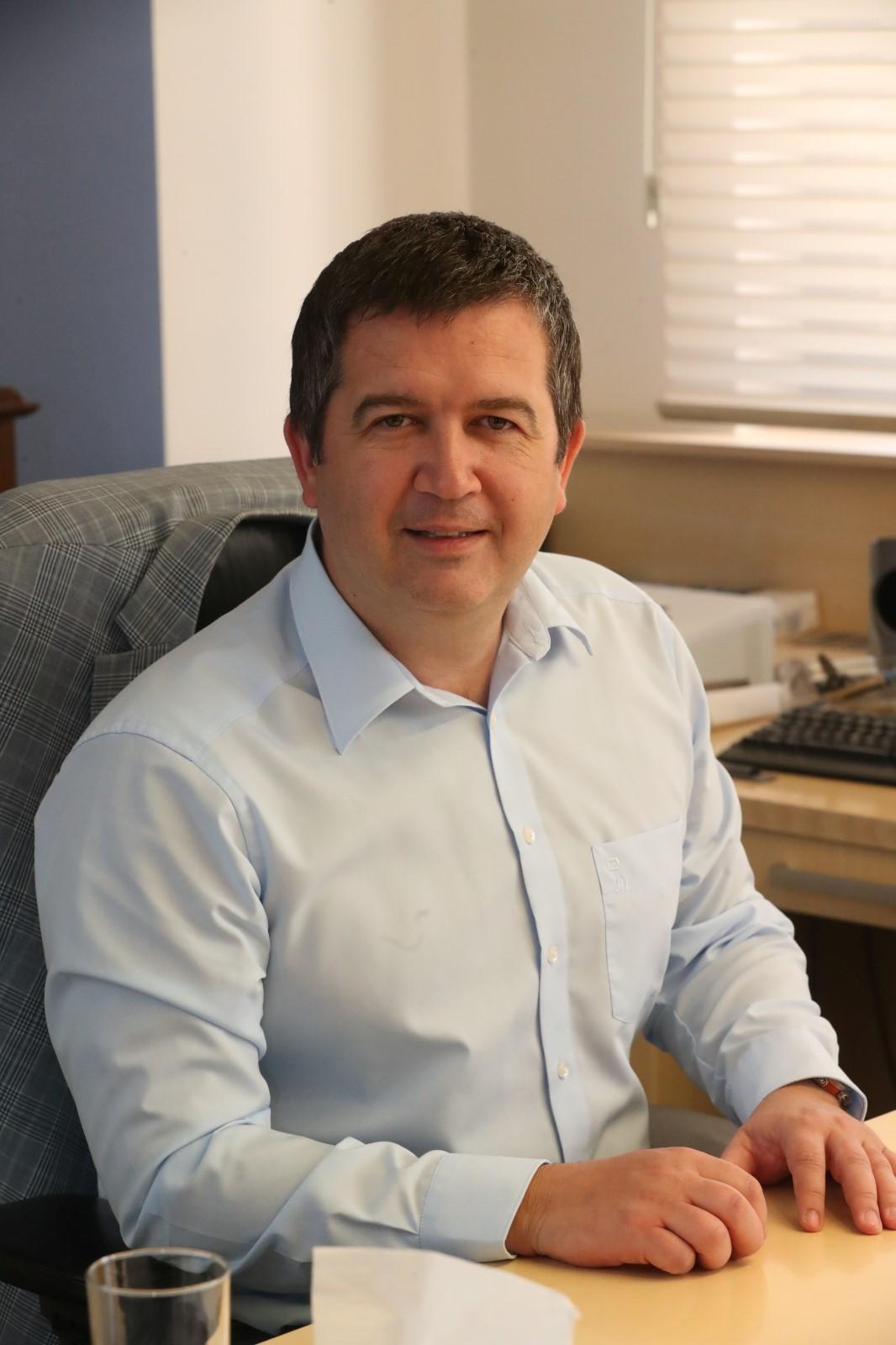 Vicepremiér a ministr vnitra Jan Hamáček (ČSSD) během rozhovoru pro Blesk (1. 6. 2020)