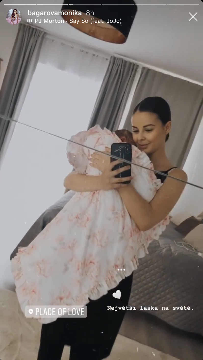 Monika Bagárová si užívá být maminkou.