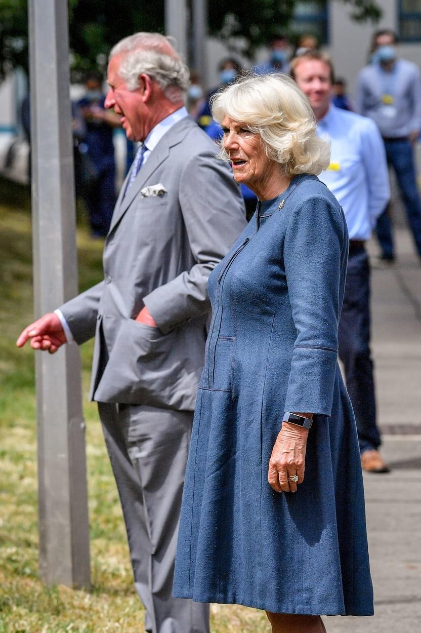 Princ Charles s Camillou na návštěvě nemocnice