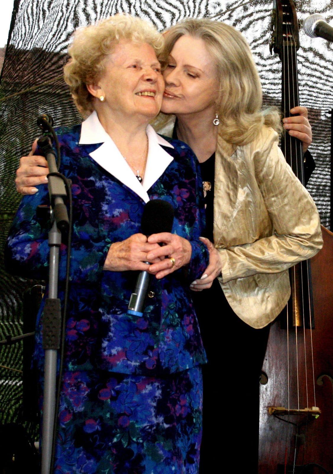 Eva Pilarová s maminkou Františkou