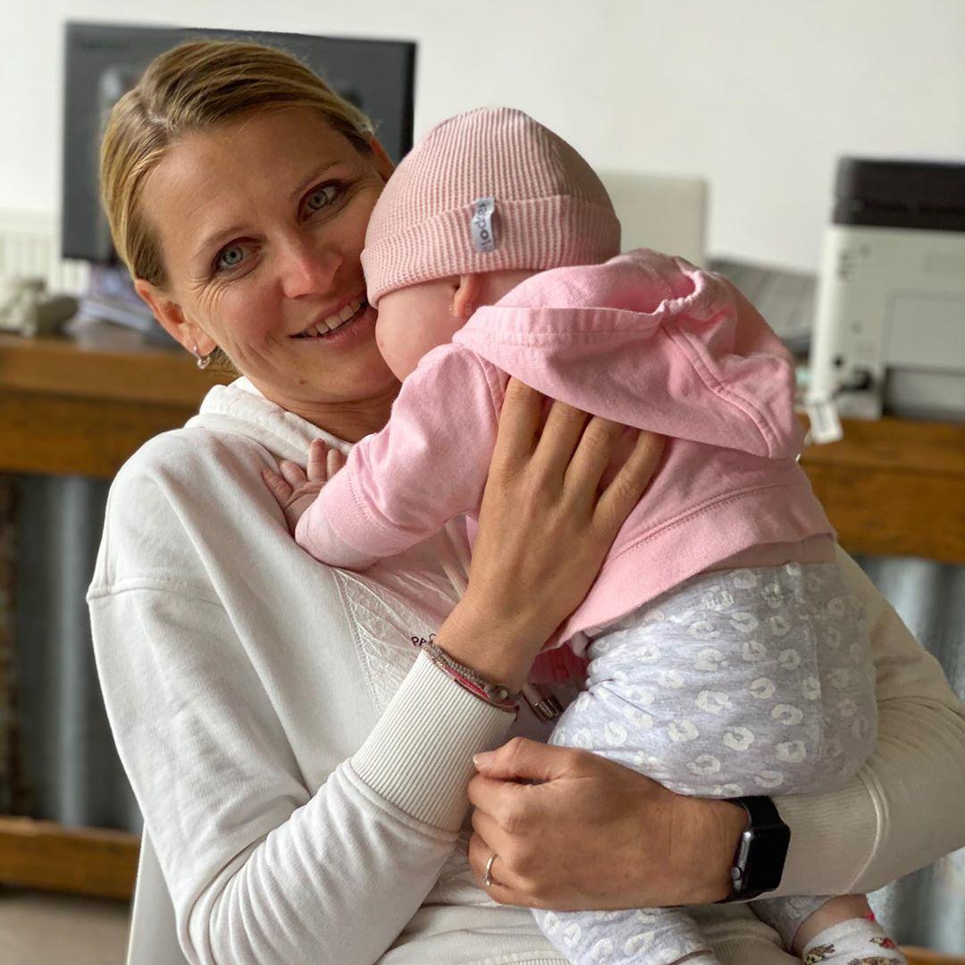 Maminka Lucie Šafářová se svým zlatíčkem; dcerkou Leontýnkou
