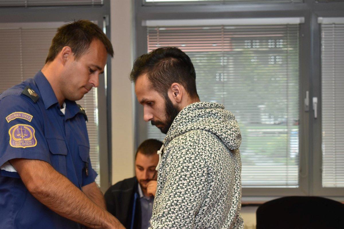 Vrah Josef Kuča u soudu.