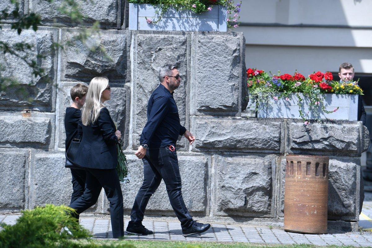 Pavel Horváth s rodinou dorazil na pohřeb Mariána Čišovského