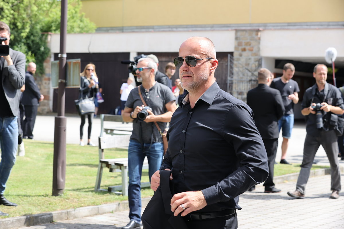 Boss hokejové Škodovky Plzeň MArtin Straka na posledním rozloučení s Mariánem Čišovským