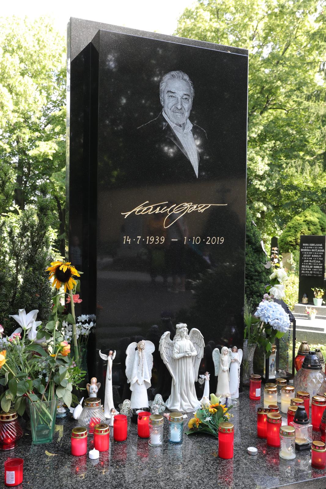 Na nedožité 81. narozeniny Karla Gotta se správa hřbitovů pečlivě chystá