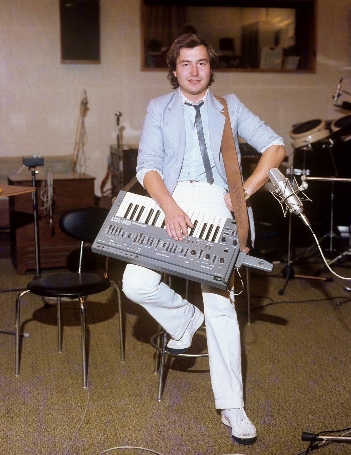 1980 - Michal David na klávesy hraje dodnes.