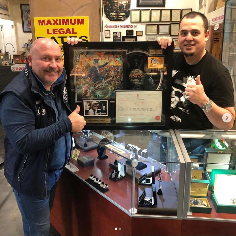 Během výletu do Las Vegas Michal David navštívil i zastavárnu televizního pořadu Mistři zastavárny.