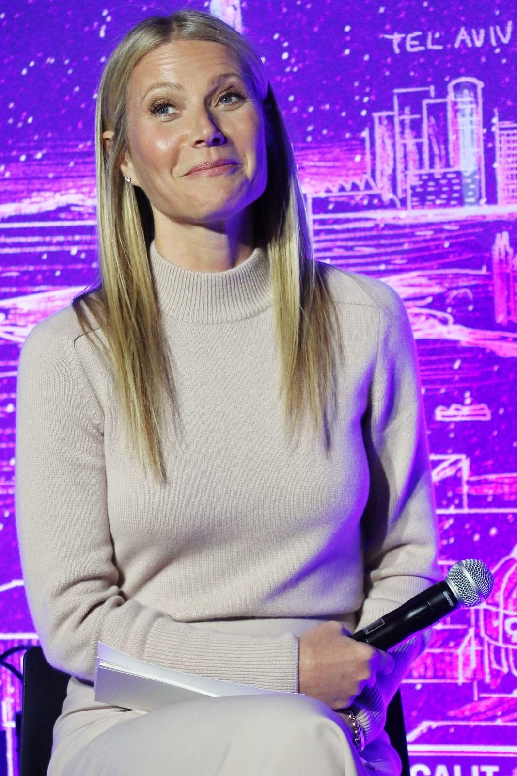 Gwyneth Paltrowová (47)