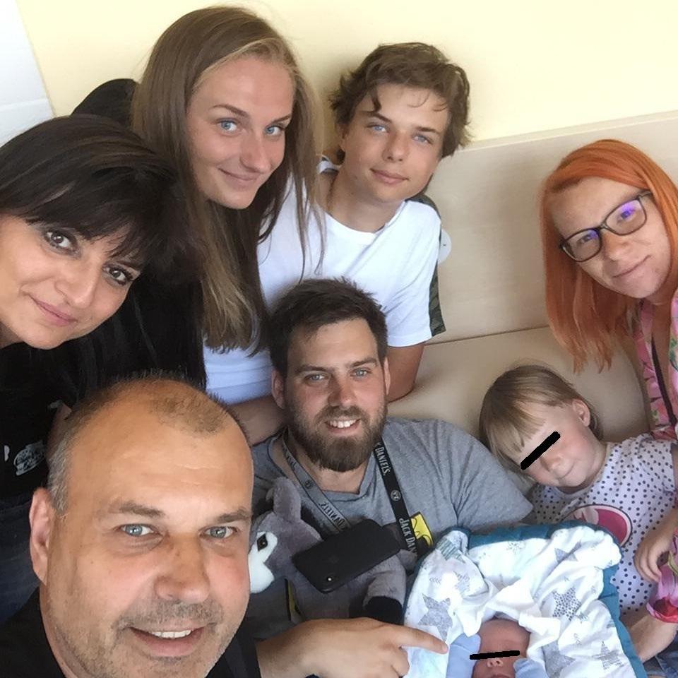 Petr Rychlý se pochlubil třetím vnoučetem