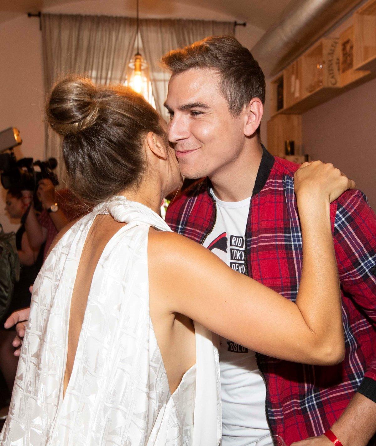 Lucie Vondráčková a David Gránský křtí videoklip Růže