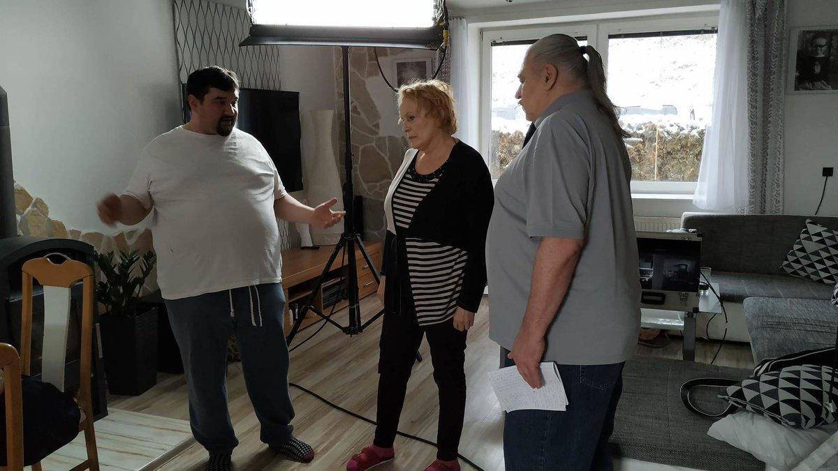 2019: Natáčení seriálu Čechovi: Režisér Tomáš Magnusek, Regina Rázlová a Josef Nedorost