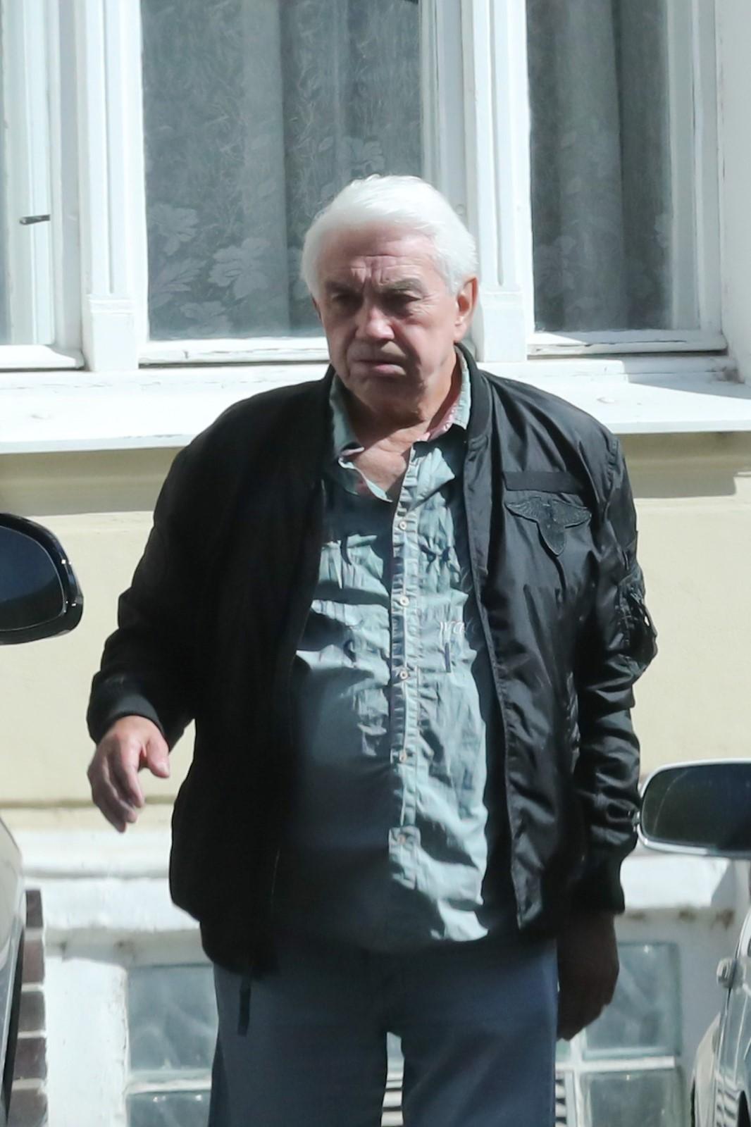Jiří Krampol šel po smrti ženy do pohřební služby
